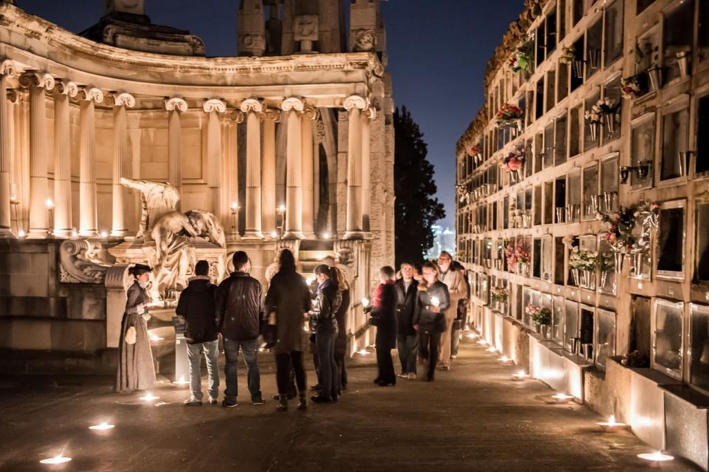 Ruta nocturna pel Cementiri de Montjuïc