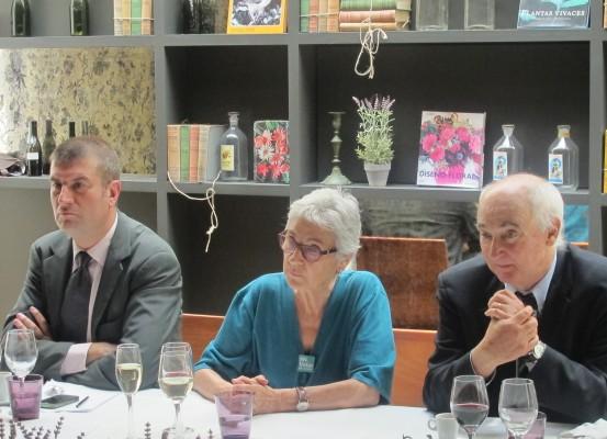 Albert Puig, director general d'InterMèdia; Muriel Casals, presidenta d'Òmnium Cultural; Toni Rodríguez Pujol, president executiu d'InterMèdia GdC